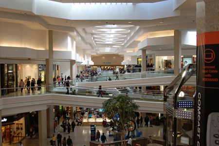 Analysts Woodfield Makeover May Keep Mall Strong